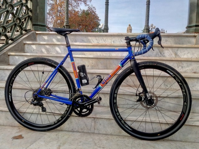 14608-Gios-Foxes-Land-gravel-159